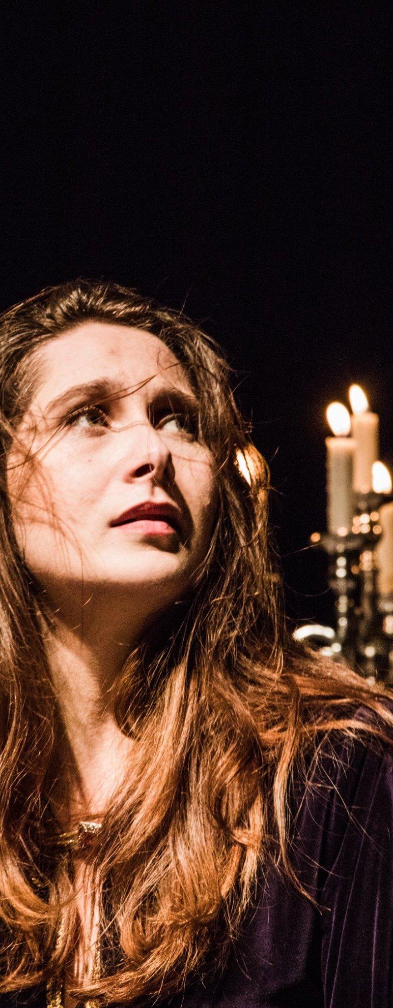Gledališka predstava Zofija napolnila dvorano Kulturnega doma Črnomelj